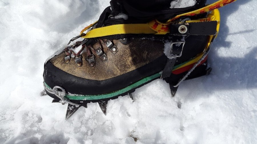 crampons-shoe-guide